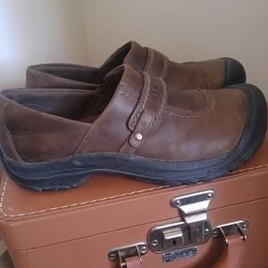 Keen leather shoes